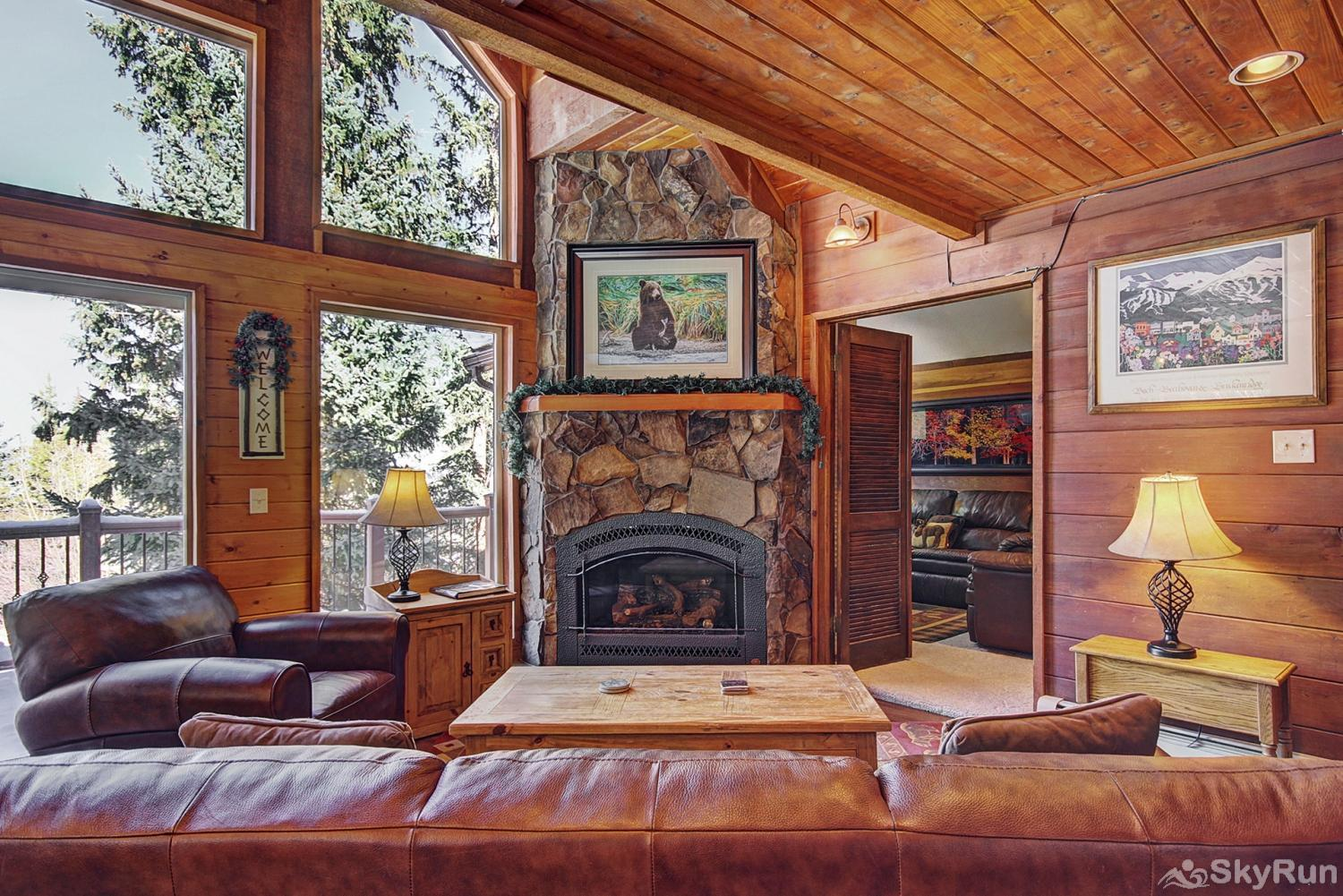 Summit View Chalet Spacious living area with gas fireplace
