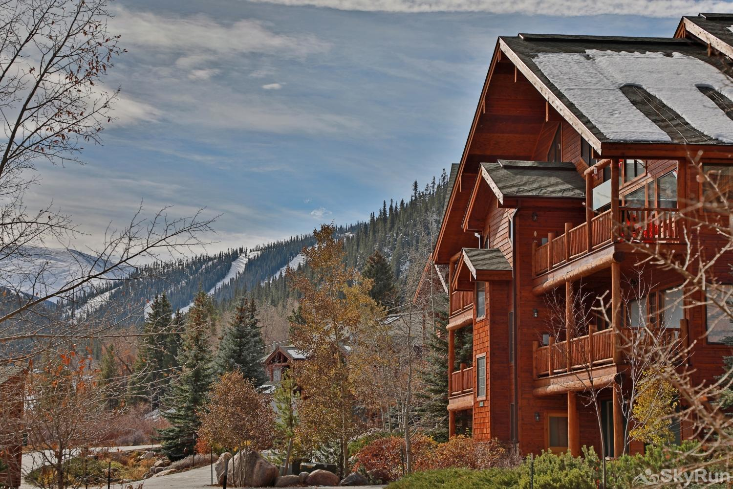 Slopeside Condo 97 Clover Lane 5 Minute Walk to Lifts or Village