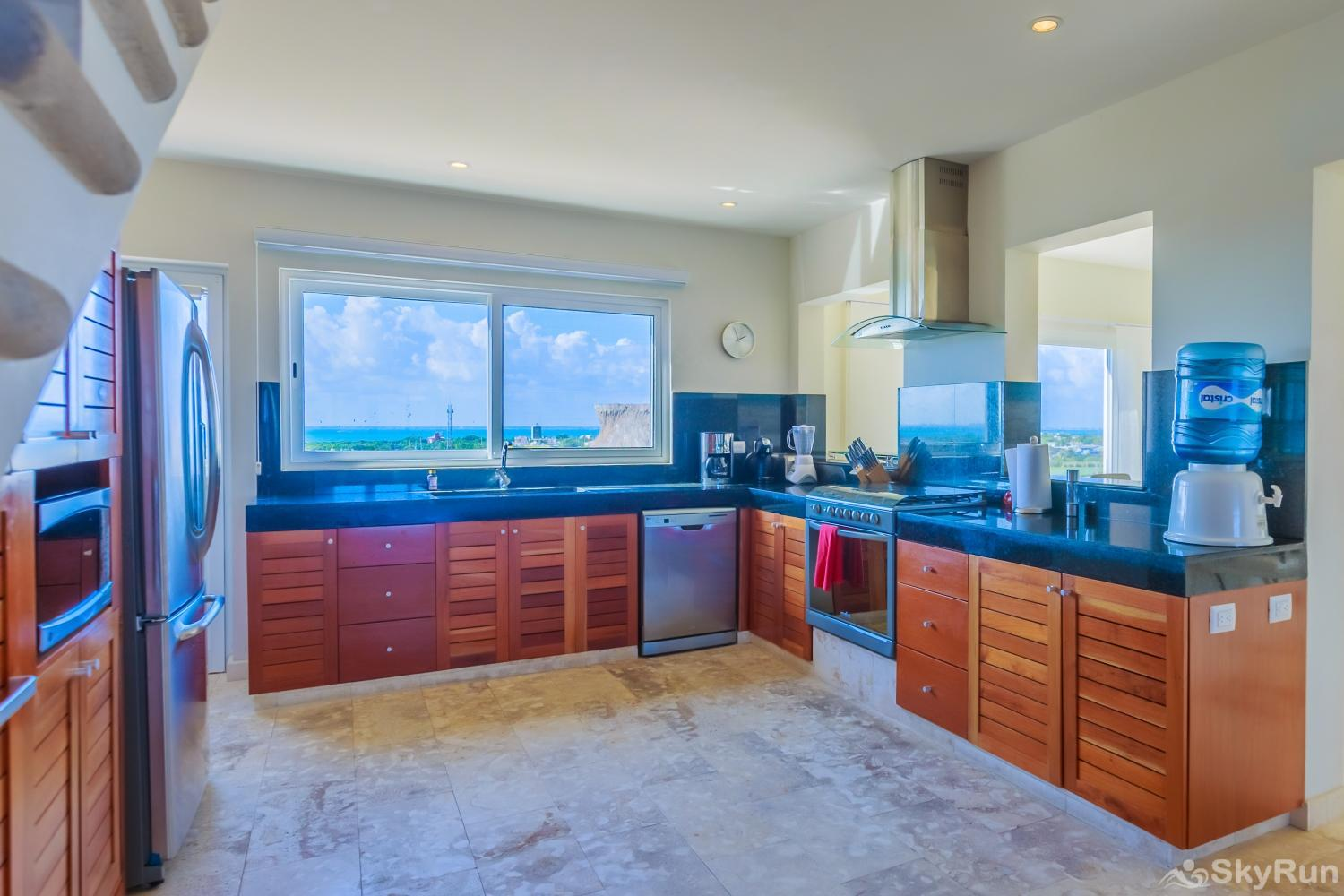 Oceanfront Penthouse | Isla Mujeres | Private Pool | Resort Amenities | Prime location | 3 bedroom | Oceanview Gourmet fully equipped kitchen