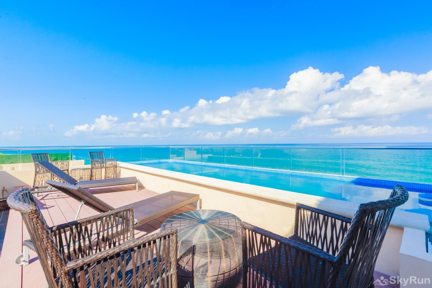 Oceanfront Penthouse | Isla Mujeres | Private Pool | Resort Amenities | Prime location | 3 bedroom | Oceanview Penthouse 3 bedroom with private pool and sky roof