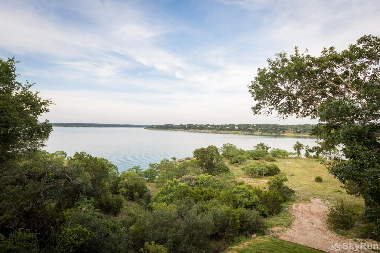 WATERFRONT GRACE Welcome to Canyon Lake