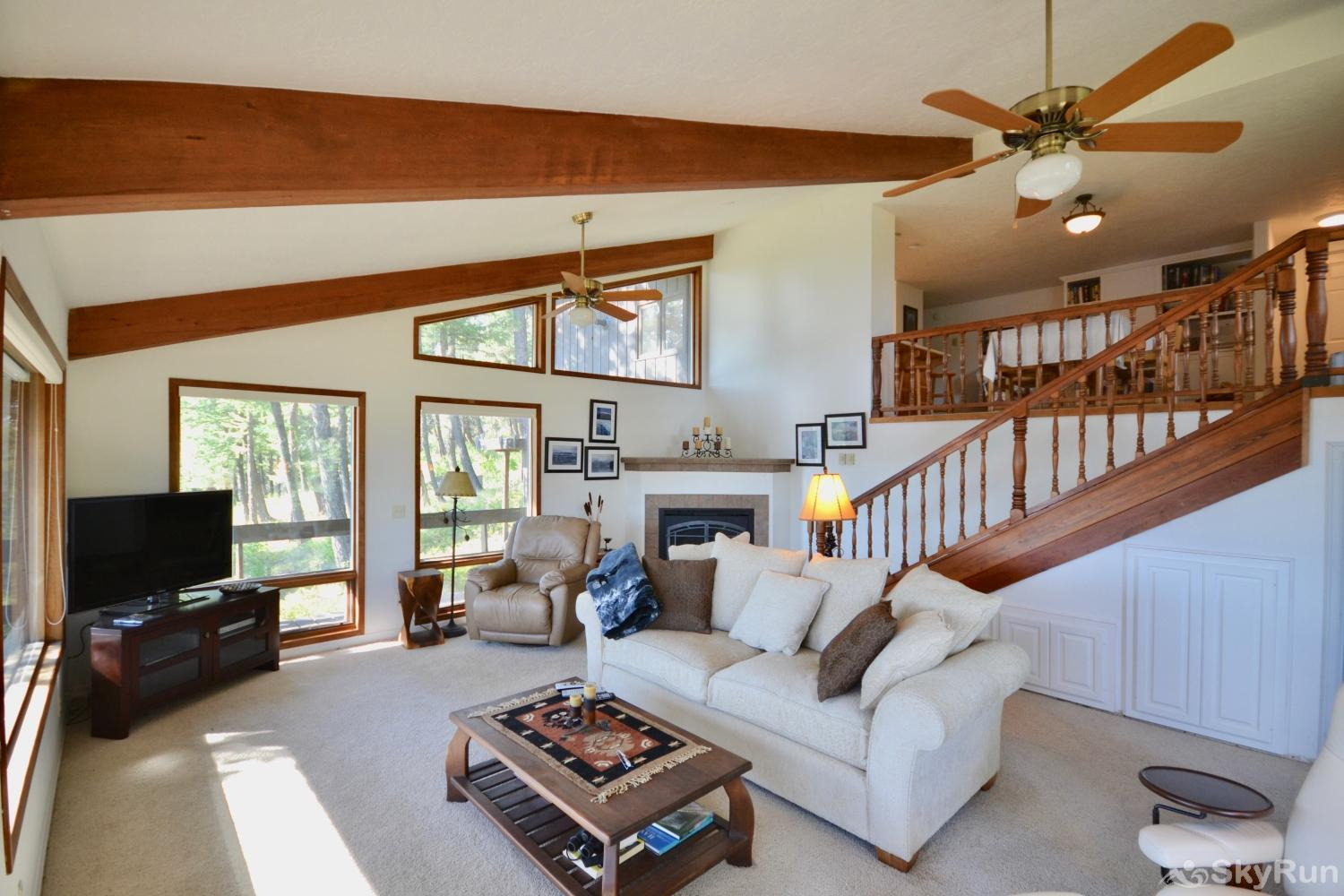 Lodgepole Ridge Cottage Spacious and comfortable with million dollar views.