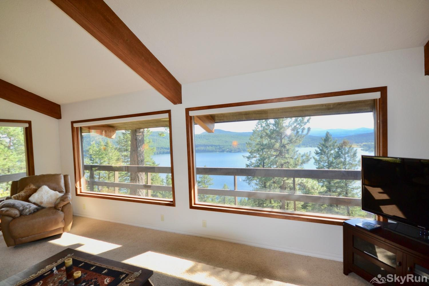 Lodgepole Ridge Cottage Two pictures windows to enjoy the fantastic views of Whitefish Lake.