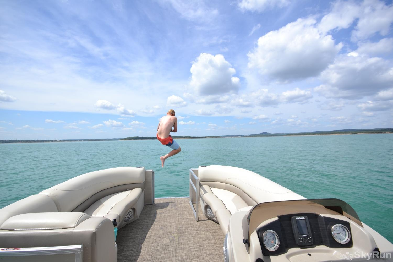 LAKESHORE ESCAPE Jump into all the fun the lake has to offer!
