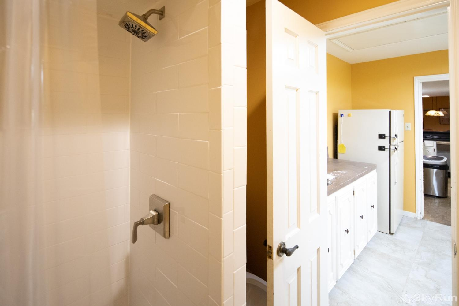 VALLEY VIEW Walk- in shower in third bedroom