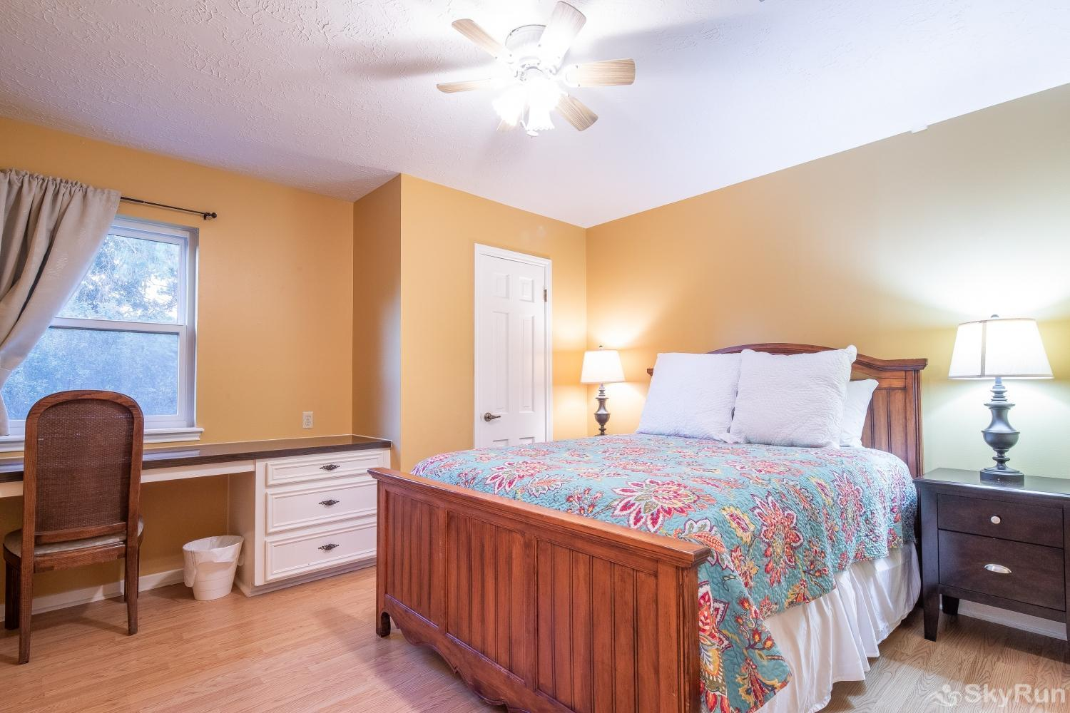 VALLEY VIEW Second bedroom with queen bed
