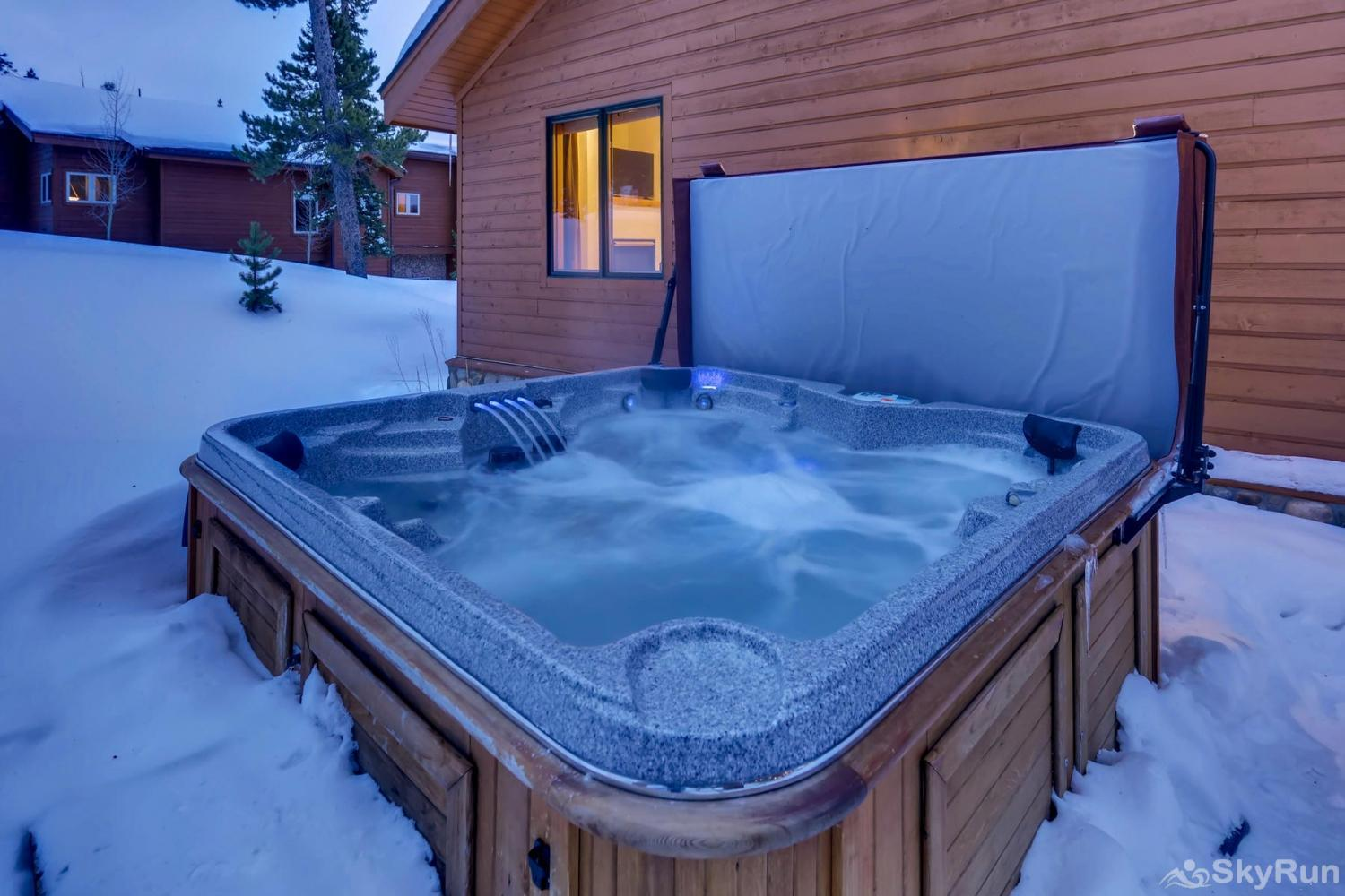 Nangle Woods Retreat Relax in your private outdoor hot tub!