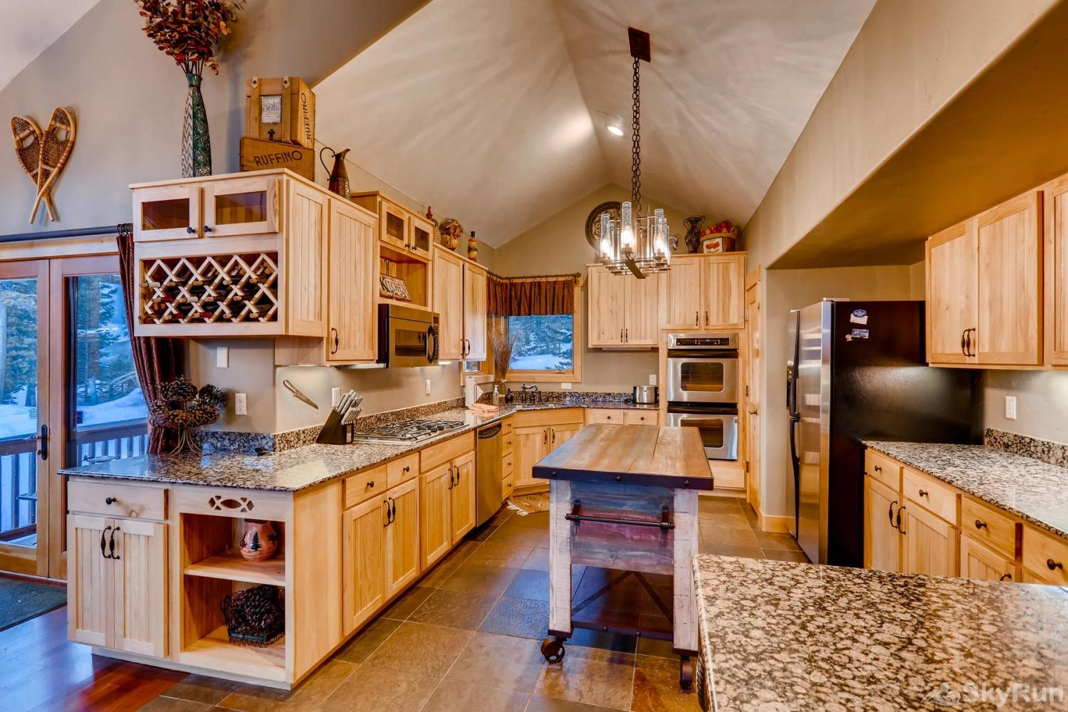 Nangle Woods Retreat Prepare tasty home cooked meals with the convenience of a fully equipped kitchen