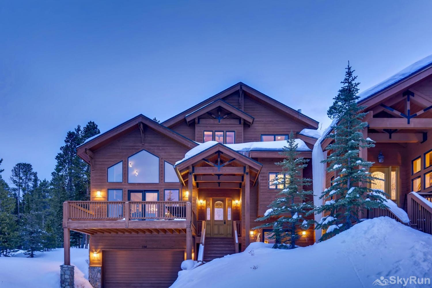 Nangle Woods Retreat Luxury vacation home in the Rocky Mountains