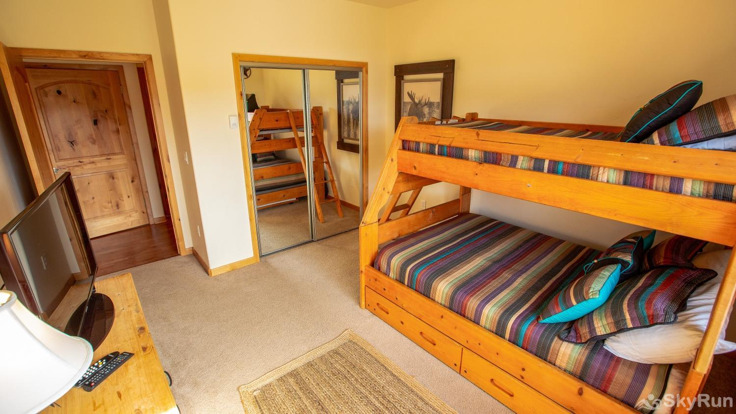Trailhead Lodge 734 Bedroom #2 with twin over full bunk