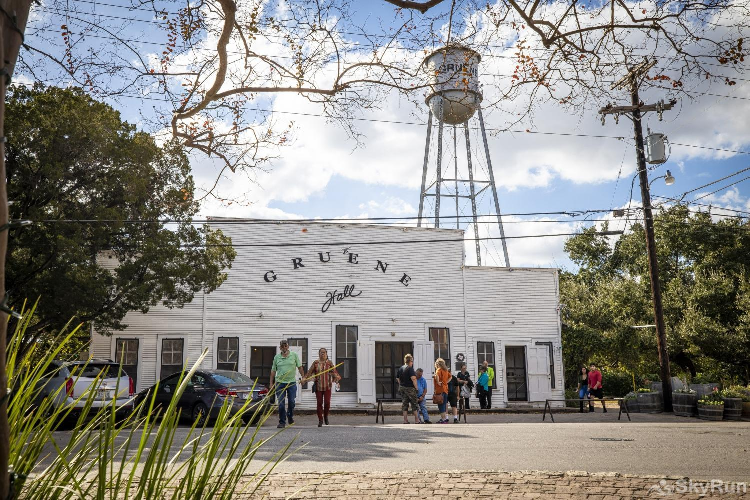 GRUENE GETAWAY Texas' oldest and most famous dance hall