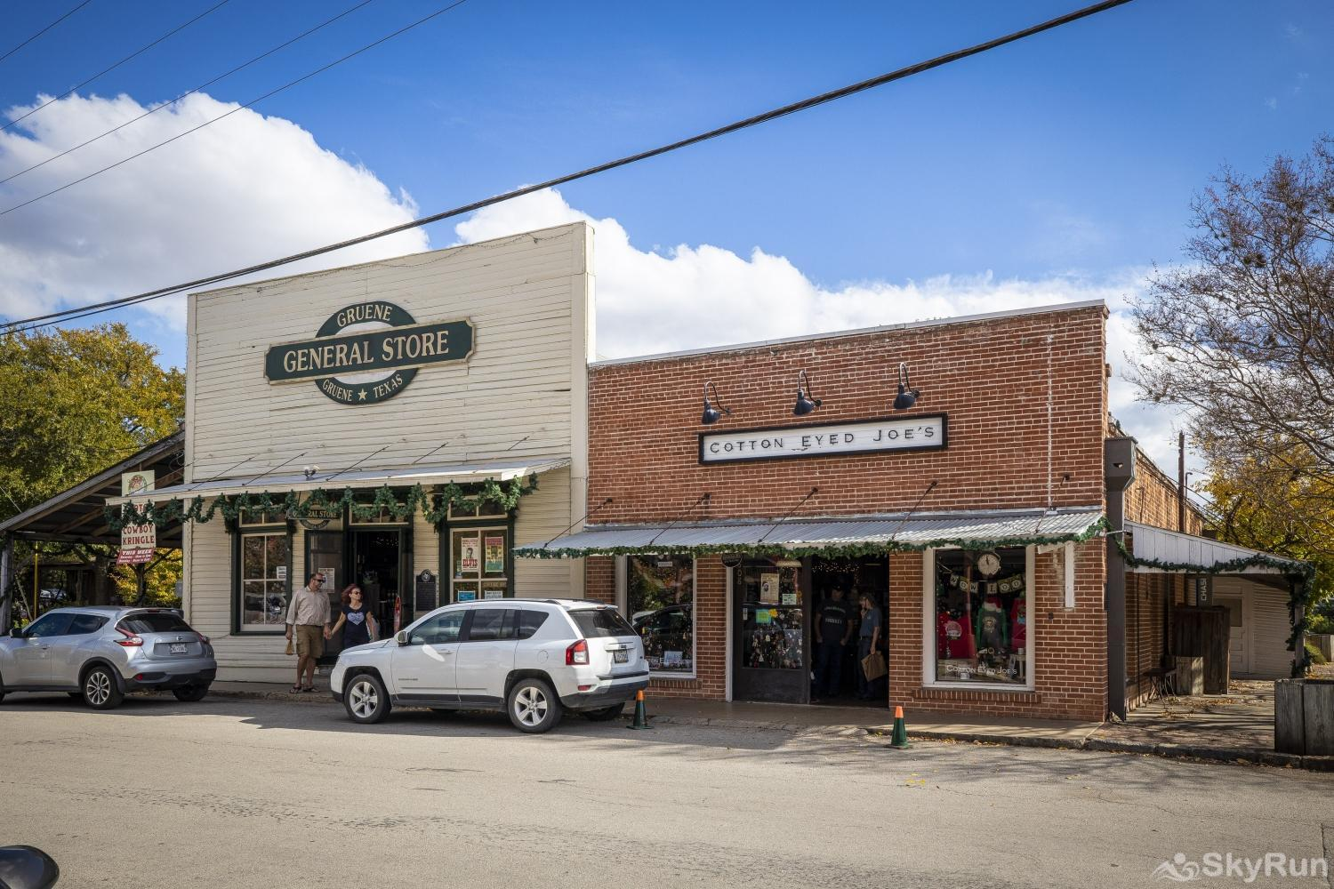 GRUENE GETAWAY Gruene Historic District is a one of a kind experience