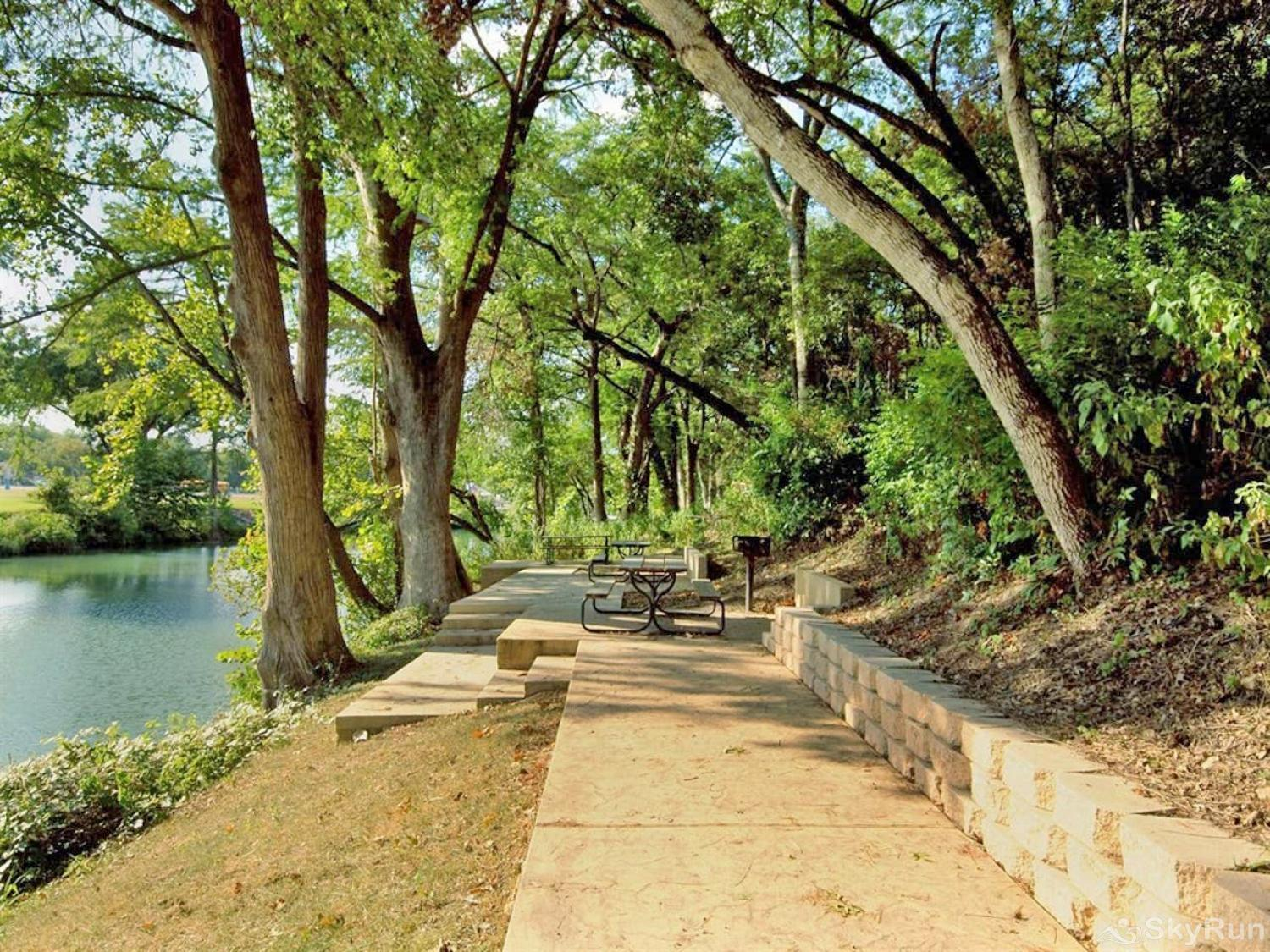 GRUENE GETAWAY Guadalupe River access on property