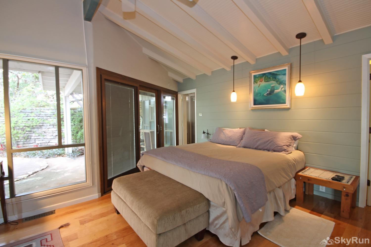 SKY VIEW LAKE HOUSE Master bedroom with king and attached bath