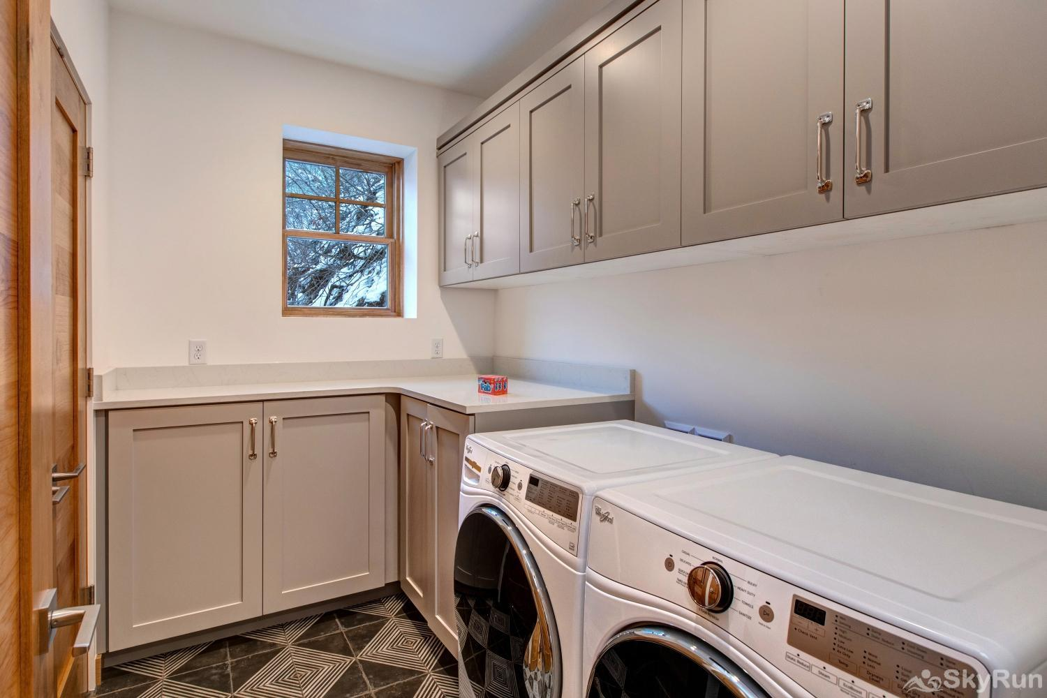 Old Town Masterpiece Private Washer and Dryer