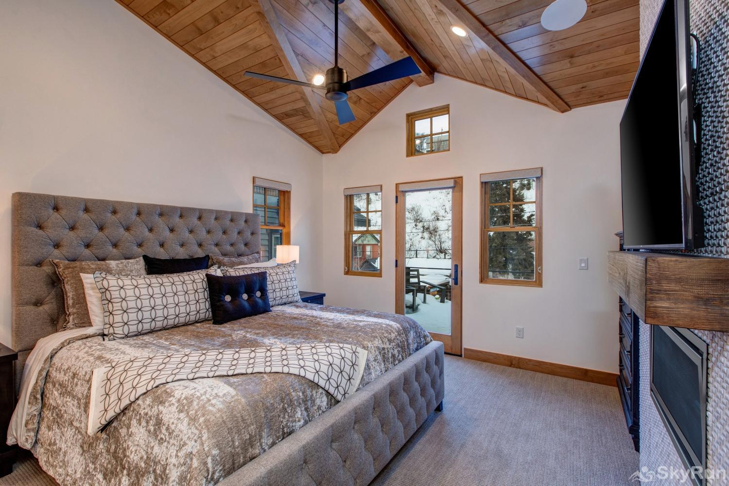 Old Town Masterpiece Master Suite #2