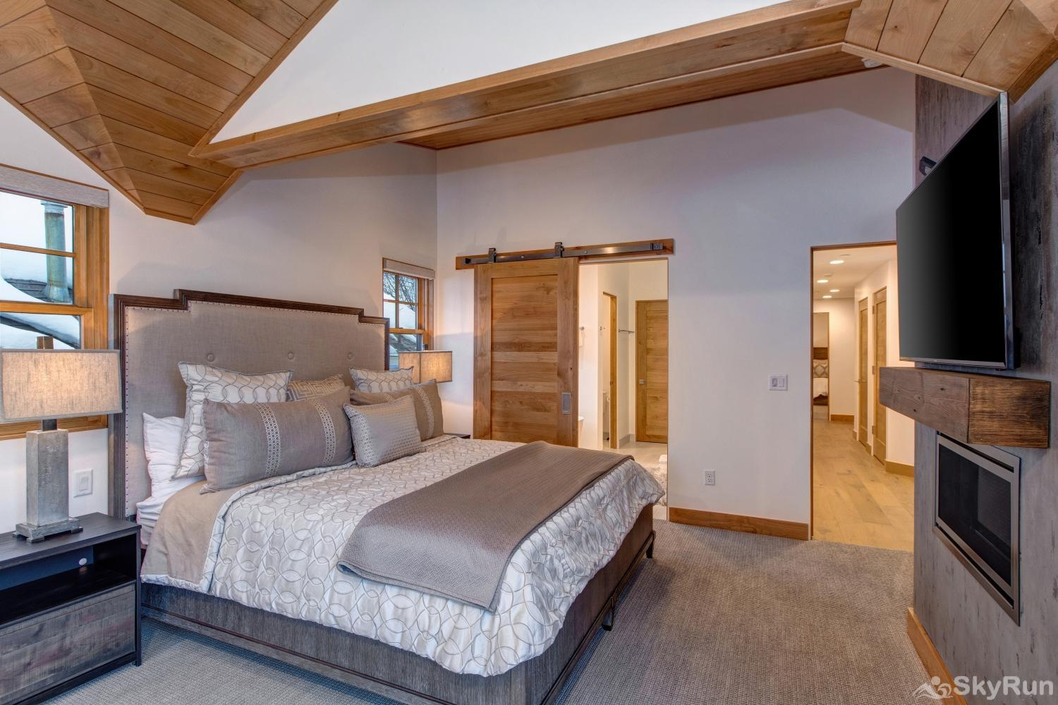 Old Town Masterpiece Master Suite