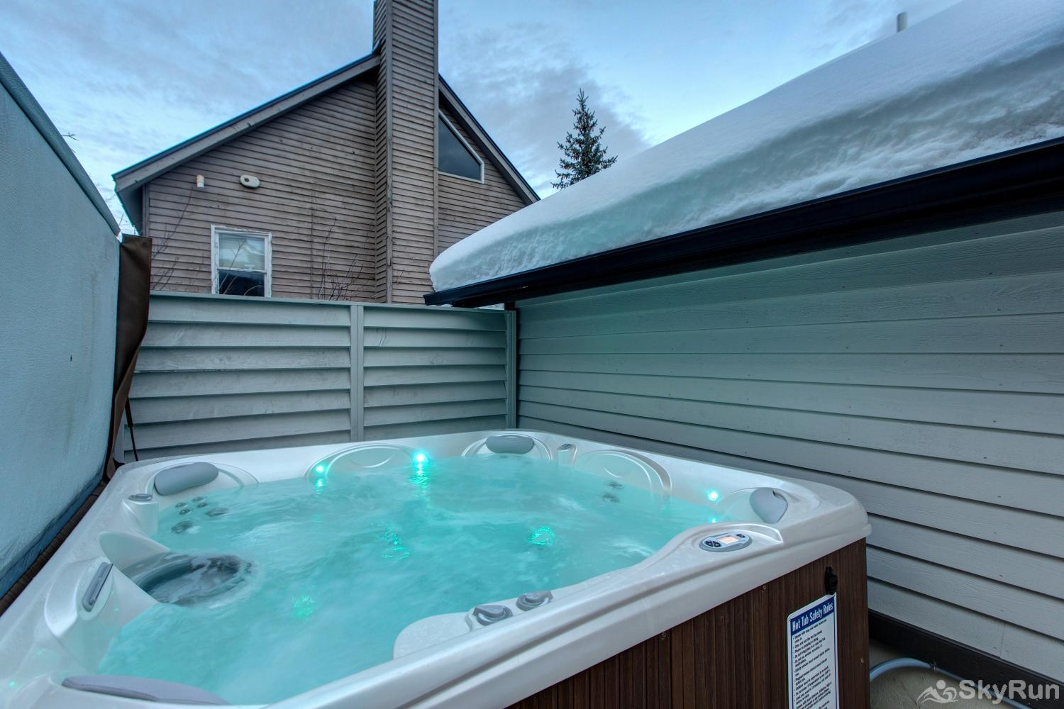 Old Town Masterpiece Private Hot Tub