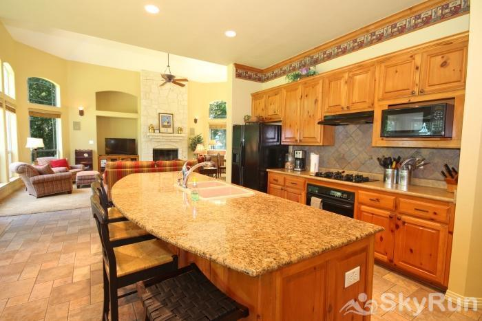 PECAN SHORES RETREAT Fully Equipped Kitchen