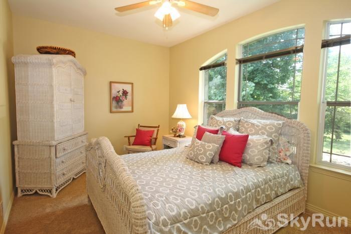 PECAN SHORES RETREAT Upstairs Bedroom with Queen Bed