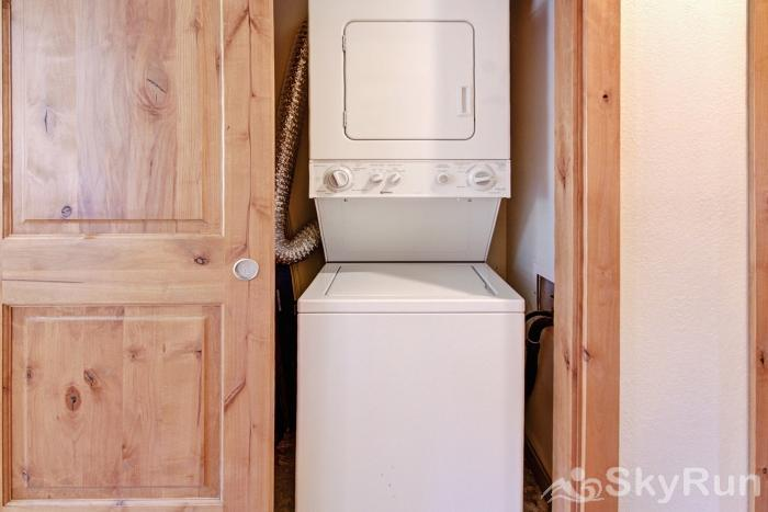 FFD7 Frostfire In-Unit Washer and Dryer