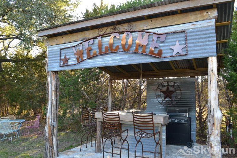 SHEPHERD'S LODGE Hill Country BBQ & Bar