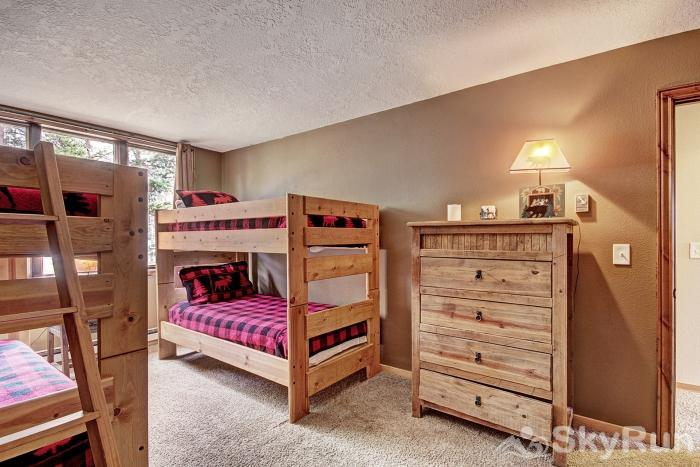 2140 The Pines Bunk Room