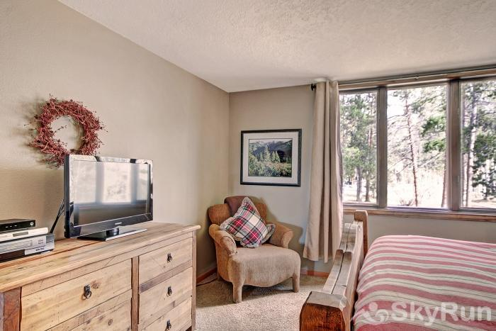 2140 The Pines Master Bedroom