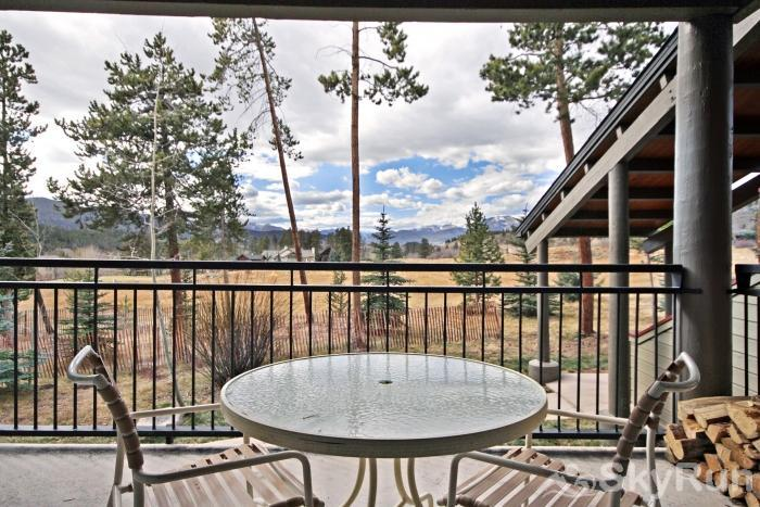 2140 The Pines Patio