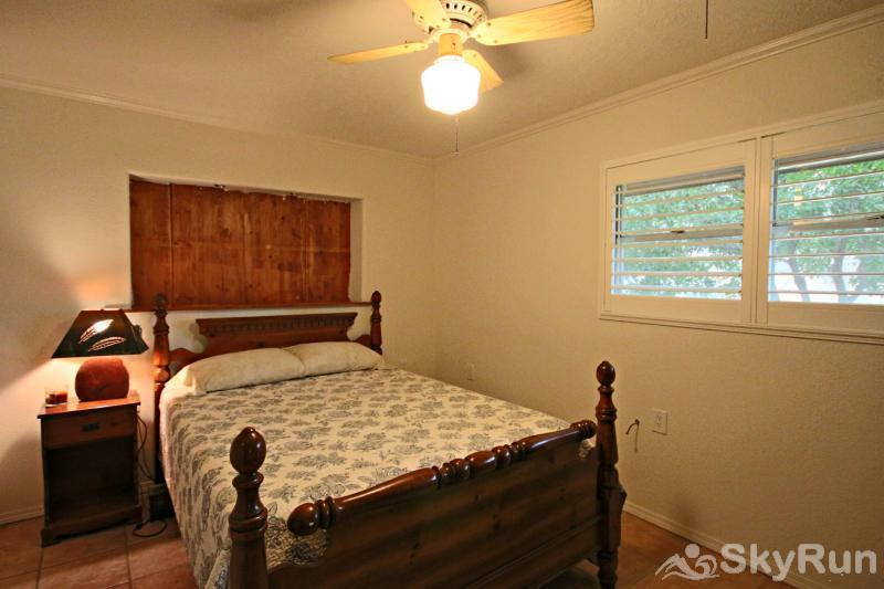 GUADALUPE RIVER GETAWAY Third Downstairs Bedroom with Queen