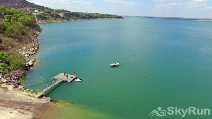 JACKS RIVER HAUS Beautiful Canyon Lake, Only 2 Miles from Jack's River Haus