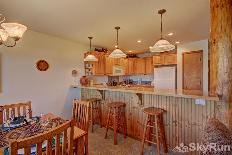 127 Lookout Ridge Dining Area