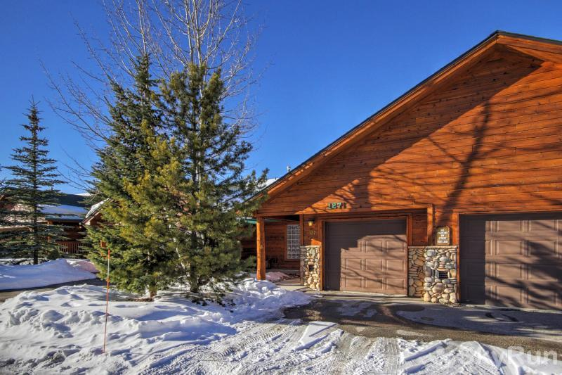 127 Lookout Ridge Winter exterior photo