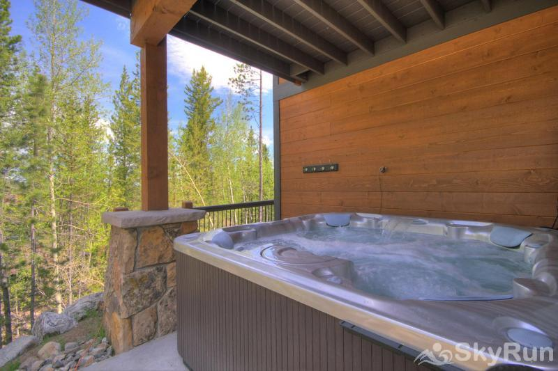 Maggie Point Lodge Private Outdoor Hot Tub