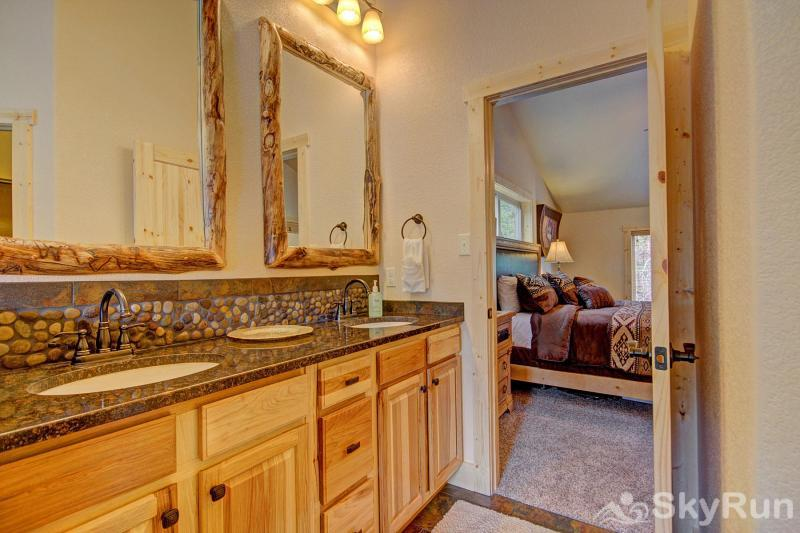 Grand Moose Lodge Master Bathroom