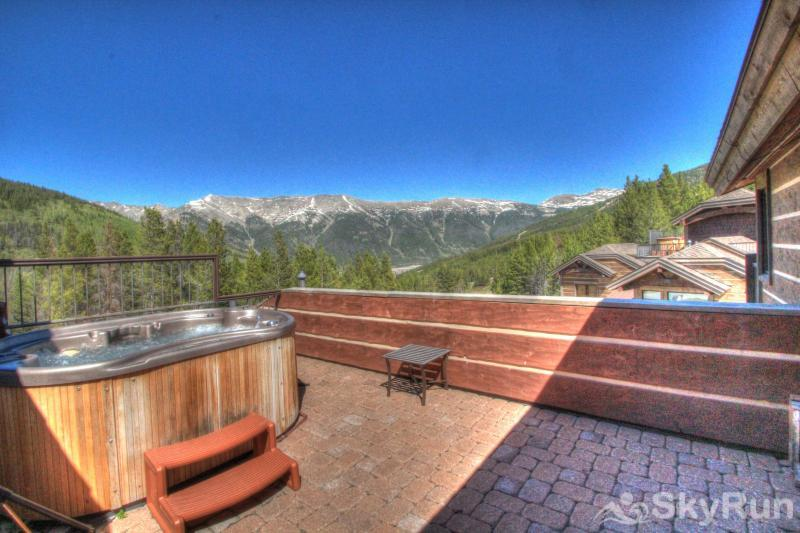 LR900 Mont Blanc in Lewis Ranch Rooftop Hot Tub