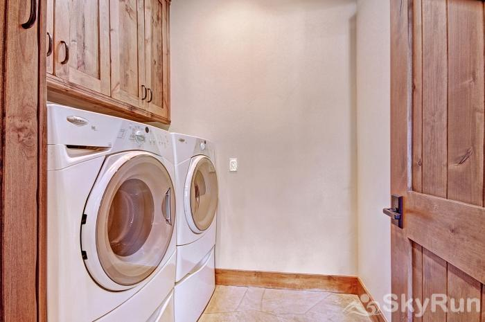 LR902  The Chalet at Lewis Ranch Private Washer and Dryer