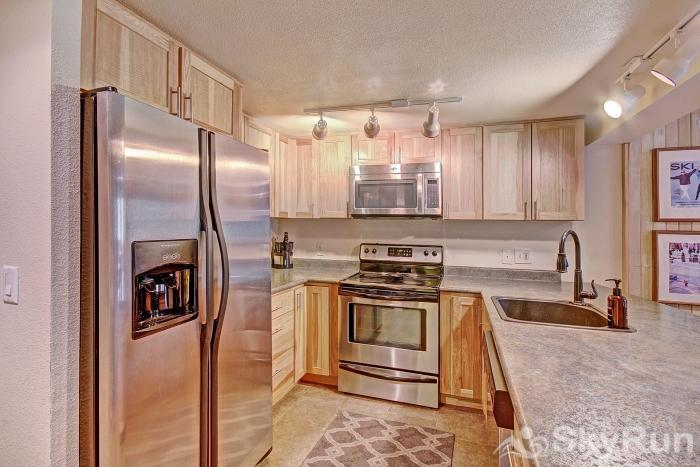 CM116S and 117H Copper Mtn Inn Beautiful Fully Equipped Kitchen