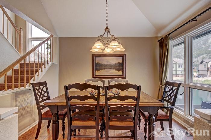 Woods12 Townhome Pet Friendly Beautiful Dining Area