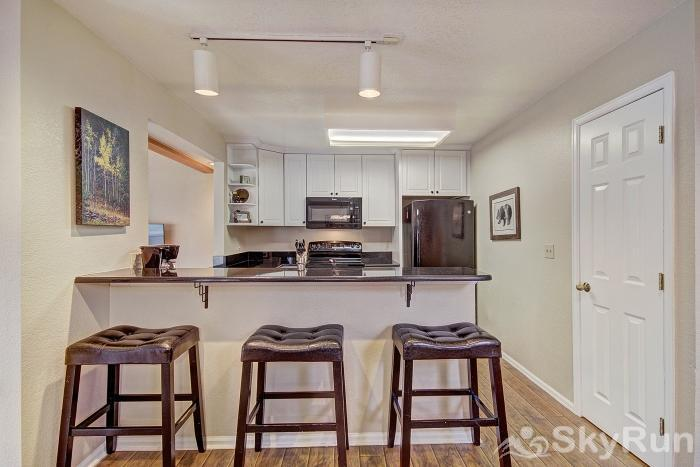Woods12 Townhome Pet Friendly Breakfast Bar
