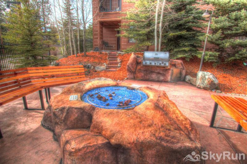 8912 The Springs Springs Fire Pit