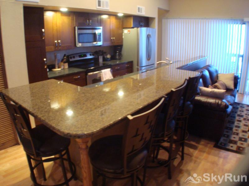 2533 New Larmatine 3BR 2BR Breakfast Bar