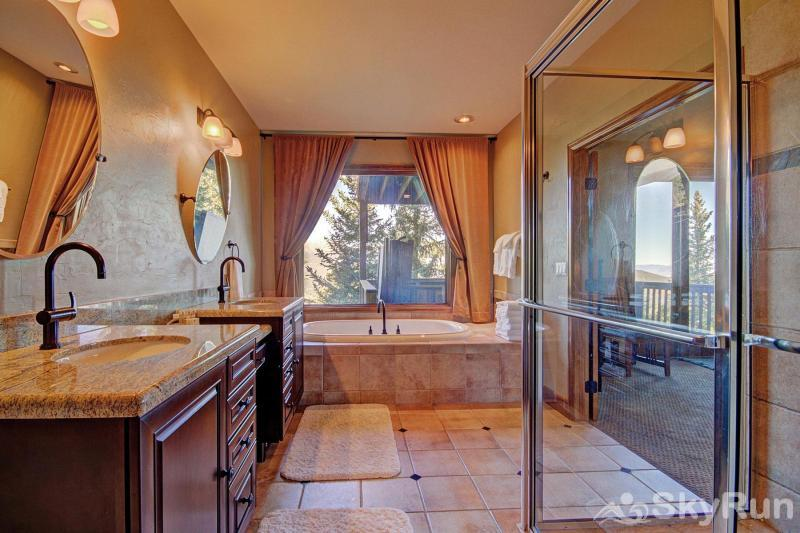Big View Lodge Master bathroom - 5 piece ensuite