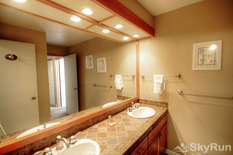 1634 Quicksilver Guest Bathroom