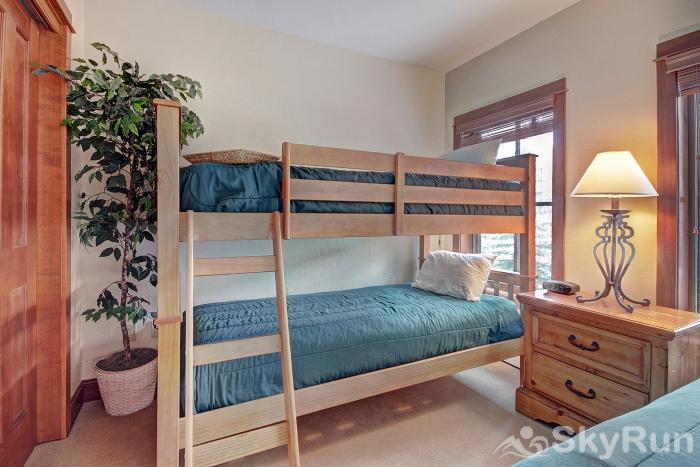 201 Oro Grande Bunk Beds