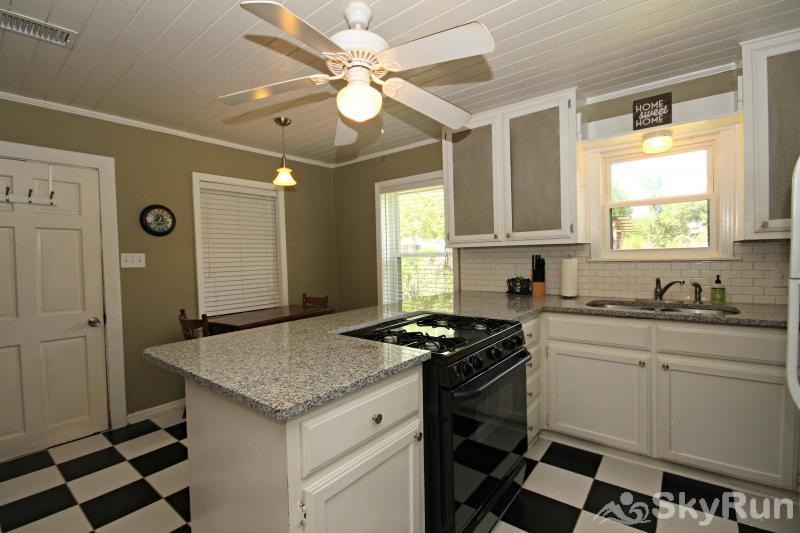 SHEPHERD'S REST Fully Equipped Kitchen with New Granite Counters