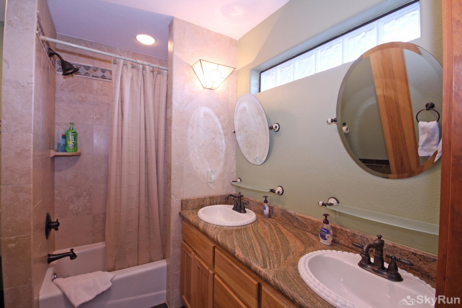 STAR HOUSE Second bathroom with shower/ tub combo