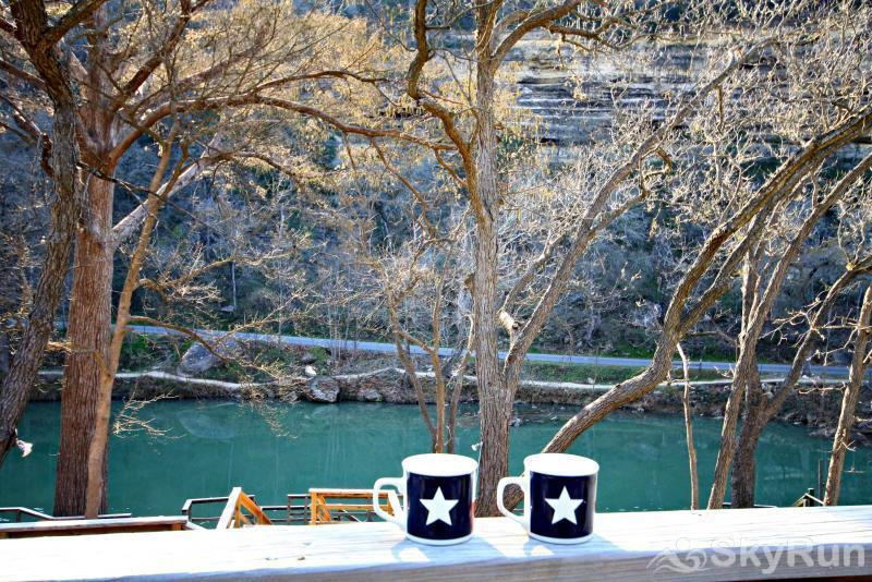 RIO VISTA ON THE GUADALUPE Book Your Guadalupe River Vacation Today!