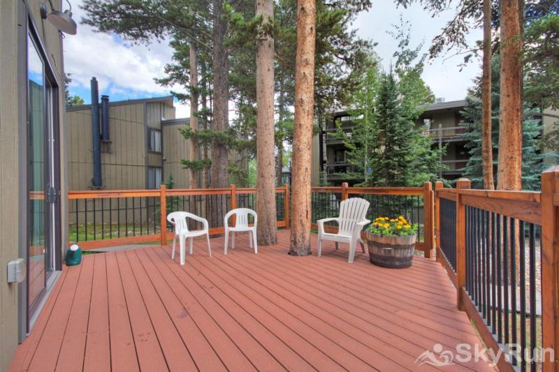 Gold Camp E85 Outdoor shared patio
