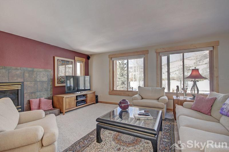 1250 Willow Grove Living area with HD TV, gas fireplace & gorgeous views